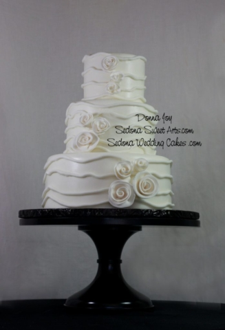 Fondant Wedding cake by Donna Joy